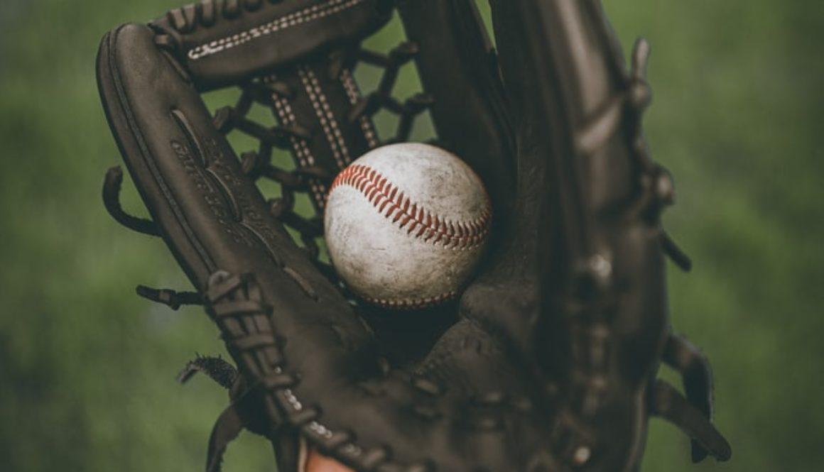 photokidgloveandbaseball